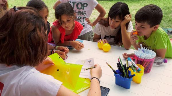 centro estivo fano bambini imparano inglese