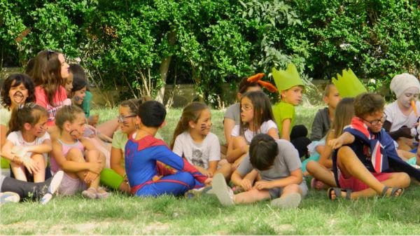 bambini insieme al centro estivo di inglese fano